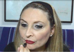 maquillando los labios